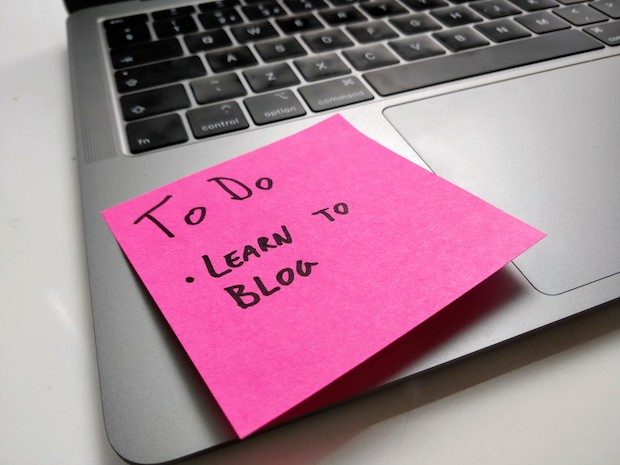 "Sticky note reading ""To Do - Learn To Blog"""